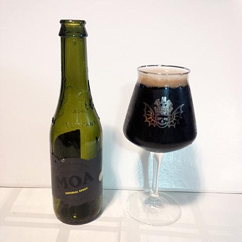 Do Wine Label Thrcolour Of Thr Glass